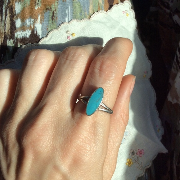 Vintage Jewelry - Vintage Real Silver Oval Turquoise Ring
